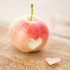 You're the Apple of my Eye! 16 green and red picks on Etsy by Jacqueline Jean on Etsy