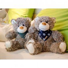 Ja, ich bin schon kuschelig und somit wohl auch ein Kuscheltier. Aber eben nicht nur! #pinus #4betterdays #zirbe #teddy #bär #teddybär #teddybear #cute #stofftier #kinder #tirol #handmadekinthealps
