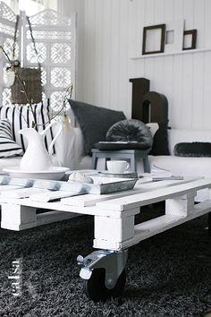 Pallet Ideas / Home Decor / På besøg: Caisa K. ‹ Bungalow5