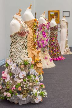 The Chelsea Flower Show has over a century of tradition and its popularity doesn't seem to stop growing. Only a few years ago it was extended from a 4 day event to a 5 day one, so more people could … Read More