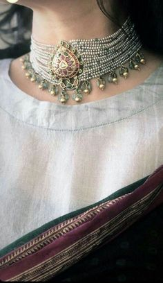 Beaded Jewels- A Real Piece of Heritage! Indian Jewelry Earrings, Indian Jewelry Sets, Indian Wedding Jewelry, Bridal Jewelry, Beaded Jewelry, Silver Jewellery, Jewellery Bracelets, Resin Jewellery, Jewellery Shops
