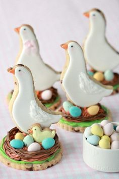 HERSHEY'S EGGIES Sugar Cookie {Recipe} | Sweetopia