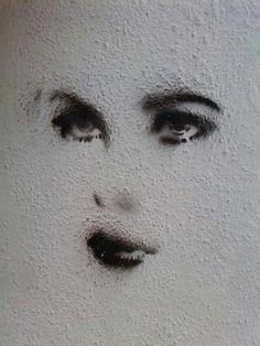 found on StreetArt in Germany 3d Street Art, Banksy, Oeuvre D'art, Unique Art, Les Oeuvres, Amazing Art, Urban, Wall Art, Artworks