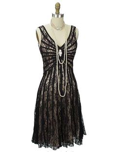 Gatsby Inspired Black Lace Cocktail Dress #bluevelvetvintage