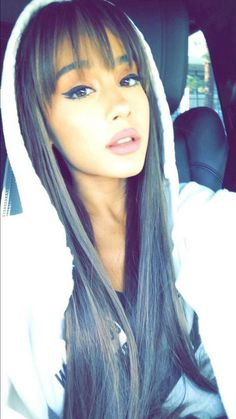 Ariana Grande Fringe, Ariana Grande Bangs, Ariana Grande Photoshoot, Ariana Grande Pictures, Fringe Hairstyles, Hairstyles With Bangs, Cute Profile Pictures, Celebs, Celebrities