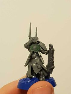 Post with 1719 views. T'au Start Collecting: Ethereal to Cadre Fireblade Conversion Tau Army, Tau Warhammer, Tau Empire, Tyranids, Warhammer Models, Warhammer 40k Miniatures, Tabletop Games, Looks Cool, Cool Toys