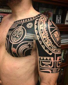 maori motiv t towiert arm und brust all1 pinterest. Black Bedroom Furniture Sets. Home Design Ideas
