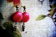 Vintage Lucite Twisted Beaded Post Earrings Owl Charm. $14.50, via Etsy. #jewelry #etsy #ring #earrings #necklace #handmade #ooak #oneofakind #original #diy
