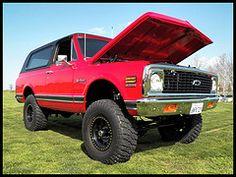 Chevy K5 Blazer 4x4- beauty of an offroader