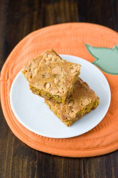 Trositos de torta de zapallo me encantan(Pumpkin Butterscotch Blondies | Cookmee)