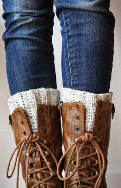 Crochet Boot Cuffs By Sarah - Free Crochet Pattern - (atowngirlslife.blogspot)