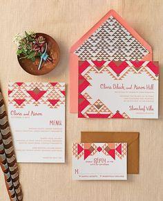 invitations de mariage motifs tribaux peche et rouge