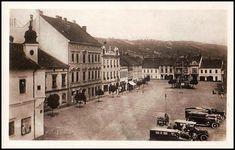 Ivančce-automobily na náměstí 1930 Street View