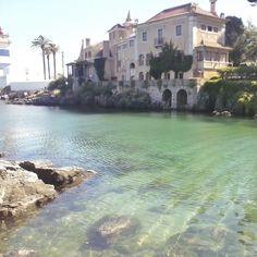 Canal e Casa do Farol de Santa Marta. Cascais Portugal