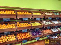 Regály z dřevěných bedýnek na ovoce a zeleninu. #drevenabedynka #regalzedreva #drevenaprepravka #obchodzbedynek #uloznyprostor #komercniprostor #inspirace Vegetables, Food, Essen, Vegetable Recipes, Meals, Yemek, Veggies, Eten