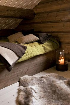 Take a nap in this cozy nook. The Lyngen Lodge, a Norwegian backcountry adventure hub.... Seriously looks so comfy