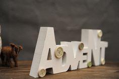 Weihnachtsdeko - Deko-Schriftzug Advent aus Holz, weiß - ein Designerstück von Vintage-Romance bei DaWanda