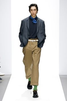 See all the looks from the show. Fashion News, Mens Fashion, Margaret Howell, Business Casual Men, Mode Masculine, Latest Trends, Harem Pants, Western Style, Spring