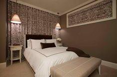 Beige Schlafzimmer Keller Design-Idee von Michael Abrams Limited