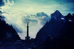 Fotografia analógica da The Victory Column (Berlin) + Schilthorn (Switzerland) por Jorge Sato. | Analog photography of The Victory Column (Berlin) + Schilthorn (Switzerland) by Jorge Sato.