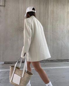 Nyc Fashion, Blazer Fashion, Daily Fashion, Everyday Fashion, Fashion Outfits, Cap Outfits, Autumn Fashion, Aesthetic Fashion, Aesthetic Clothes