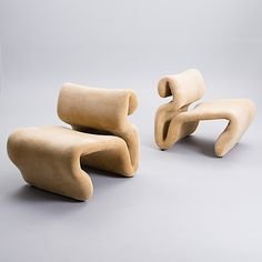 Jan Ekselius Lounge chair, circa Fluid form and velvet upholstery I think we found a 'Tinder Match' . Mid Century Lighting, Vintage Design, Decoration, Interior Inspiration, Interior And Exterior, Furniture Design, Plywood Furniture, Interior Decorating, Contemporary