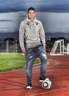 James Rodriguez Es Un Futbolista Colombiano Que Juega Actual En El Real Madrid