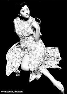 Okada Mariko (岡田茉莉子) 1933-, Japanese Actress