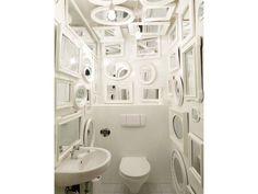 Il bagno narcisista disegnato dallo studio tedesco TULP Design per l'agenzia di pubblicità Webguerillas di Monaco di Baviera.