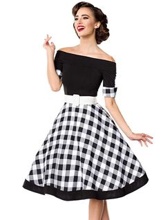 Robe bustier swing noir et blanc style vintage Rockabilly Pin Up, Rockabilly Fashion, Robes Pin Up, Black Pin Up, Plus Size Boudoir, Pin Up Looks, Looks Vintage, Vintage Pins, Retro Pin Up
