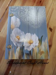 Wood painting, Hand made Love the blue and white with lace stencil Tole Painting, Painting On Wood, Crafts To Make, Diy Crafts, Arte Country, Creative Box, Decoupage Box, Woodworking Box, Country Paintings
