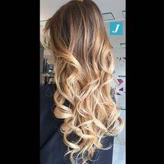Degradé Joelle: il sole tra i capelli. #cdj #degradejoelle #tagliopuntearia #degradé #igers #musthave #hair #hairstyle #haircolour #longhair #ootd #hairfashion #madeinitaly #wellastudionyc #Regrann #workhairstudiovittorio&tiziana #roma #eur