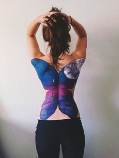 Butterfly back painting skin paint, back art, body painting art, painting & drawing Fantasy Magic, Dark Fantasy, Fantasy Art, Skin Paint, Tattoos Geometric, Tattoo Prices, Back Painting, Body Painting Art, Learn Painting