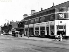 The Co op corner of Moston Lane and Kenyon Lane. St Dunstans school used to have its dinners upstairs, quite a walk from school, upstairslster became Browns School of Dancing. Old Photos, Vintage Photos, Salford, Amazing Pictures, Sweet Memories, Hard Times, North West, Manchester, Dancing