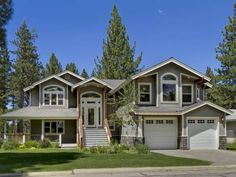 Meadow House South Lake Tahoe (California) Featuring a balcony, Meadow House is a holiday home located in South Lake Tahoe, 1.6 km from South Tahoe Ice Arena. The holiday home is 3.3 km from Tahoe Queen. Free private parking is available on site.