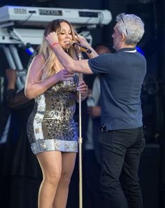 Mariah Carey Photos - Mariah Carey is seen performing at the 'Jimmy Kimmel Live' show. Mariah brought her children onstage and was seen drinking water and using a throat spray between songs. - Mariah Carey at 'Jimmy Kimmel Live'