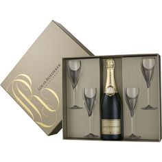Fles Roederer champagne met 4 glazen