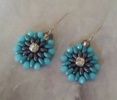 Blue and purple earrings  twin beads earrings  por INCISTYLE