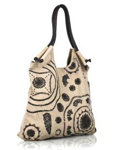 The poetry of material things fashion :: bags to wear bags, diy bags, purse Diy Accessoires, Photo Bag, Diy Handbag, Boho Bags, Bag Patterns To Sew, Fabric Bags, Handmade Bags, Beautiful Bags, Bag Making