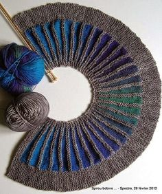 pattern by Stephen West Georgous! I am absolutely loving this knit scarf pattern! I am absolutely loving this knit scarf pattern! Yarn Projects, Knitting Projects, Crochet Projects, Knitting Stitches, Knitting Yarn, Hand Knitting, Knit Or Crochet, Crochet Shawl, Art Fil