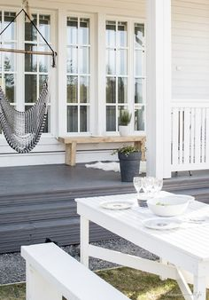 That patio outdoor area 😍 Porches, Outdoor Rooms, Outdoor Living, Outdoor Decor, Exterior Design, Interior And Exterior, Outside Living, Home And Deco, Coastal Style