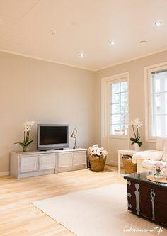 Seinä Tikkurila piazza Bedroom Paint Colors, Room Colors, Color Pallets, Design Inspiration, Living Room, The Originals, Wall, Design Room, House