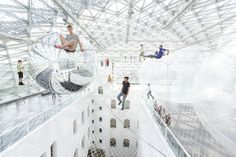 """In Orbit"", an installation by Tomas Saraceno, in Dusseldorf, Germany. square metres of multi-level transparent net 25 metres above the ground. Looks like fun! Pinned by Alec of childsplaymusic. Banksy, Cities, Interactive Art, Heart For Kids, Installation Art, Art Installations, Interactive Installation, Interactive Exhibition, Art Blog"