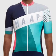 A lightweight cycling vest as used by State of Matter MAAP Racing. Great for racing and training, it's a premium high performance piece that is easy to stow in Cycling Vest, Cycling Shoes, Cycling Jerseys, Bicycle Jerseys, Cycling Outfits, Cycling Clothes, Bike Kit, Mountain Biking, Shirts