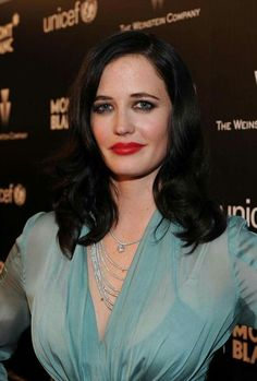 Eva Green Photos - Actress Eva Green arrives at the Montblanc Charity Cocktail Hosted By Eva Green Casino Royale, Ava Green, Miss Green, Actress Eva Green, Green Photo, Rachel Weisz, French Actress, Celebrity Photos, Female Bodies