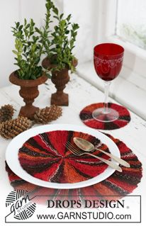 "Knitted DROPS Christmas table mats in ""Fabel"". ~ DROPS Design"