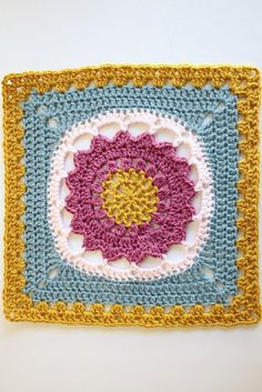 [Free Pattern] This Gorgeous Starfire Is A Great Starter Square!