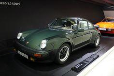 1976 Porsche 911, Turbo 3.0 Coupé  6 cyl Boxer Turbo 2994 cc 260 Hp Max Speed 250 km/h