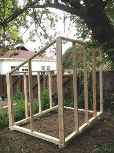 Greenhouse Plans 800374165010748223 - Serre de bois en construction Source by mathildelourdel Diy Greenhouse Plans, Lean To Greenhouse, Backyard Greenhouse, Chickens Backyard, Old Window Greenhouse, Backyard Chicken Coops, Outdoor Projects, Garden Projects, Diy Jardim