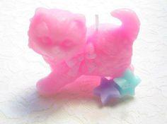 猫星キャンドル(ピンク)リボンがついた猫のキャンドルになります。リボンには、水色のドット柄がついています。プレゼントにもオススメのキャンドルです!●大きさ 縦...|ハンドメイド、手作り、手仕事品の通販・販売・購入ならCreema。